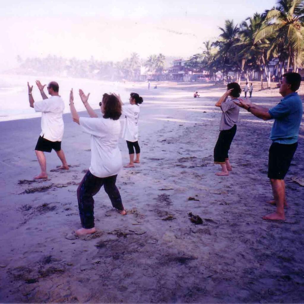 Qigong-Soutern-India-1999-simonblowqigong