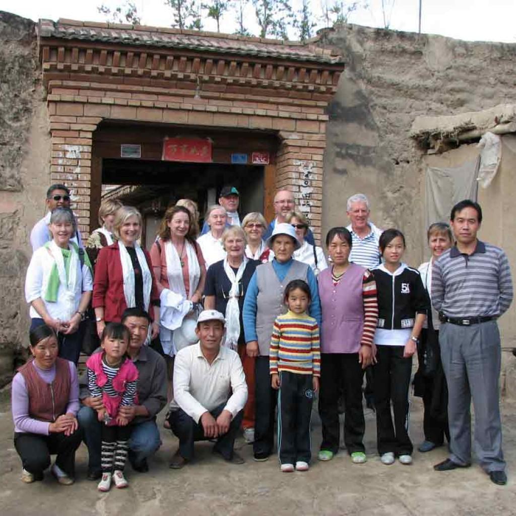 Qigong-study-tour-2008-8-simonblowqigong
