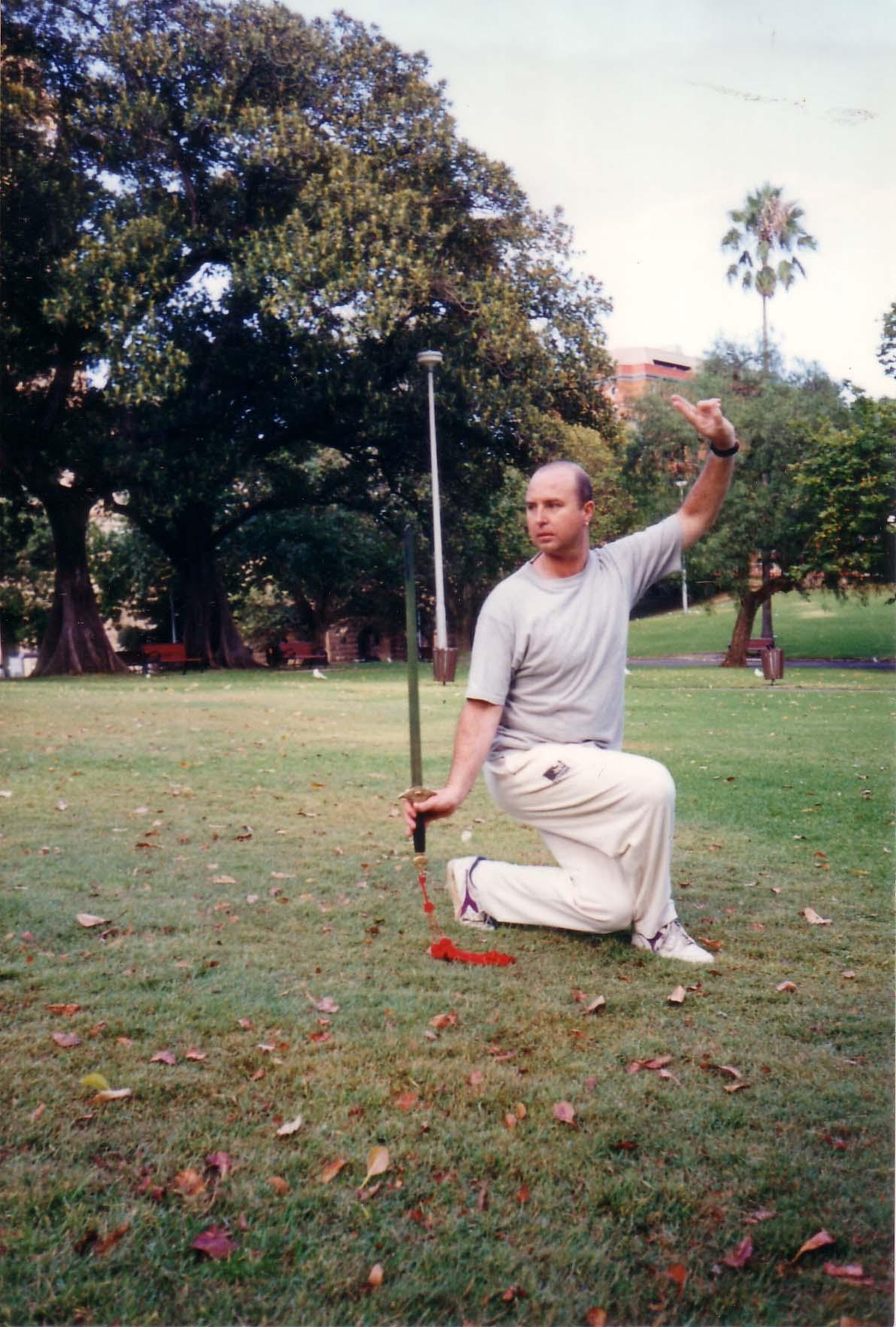 Simon-Blow-Taijiquan-sword-1996-simonblowqigong.com