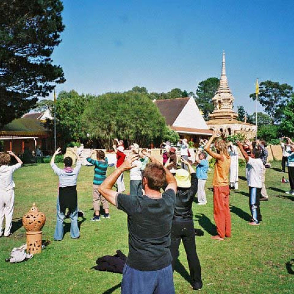Sunnataram-qigong-retreat-2007-1-simonblowqigong.com