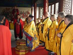Blessing-ceremony-Daoist-Monastery-Jinan-2014-Qigong-Study-Tour-simonblowqigong.com
