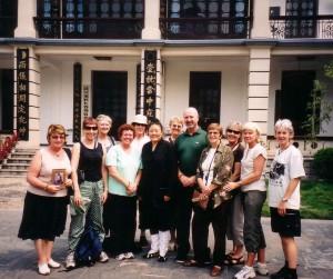 Chang-Chun-Daosit-temple-Wuhan-2006-Qigong-study-tour-simonblowqigong.com