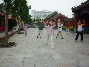 Dayangong-training-tour-Luyi-2010-@-simonblowqigong.com