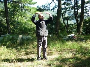 Master-Jiang-Li-White-Cloud-Temple-2012-2-Qigong-study-tour-simonblowqigong.com