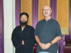 Master-Zhang-Simon-Blow-Changchun-Daoist-Temple-Wuhan-2012-Qigong-study-tour-simonblowqigong.com
