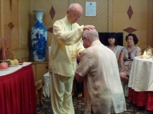 Simon-Blow-Initiation-ceremony-Dayangong-2012-simonblowqigong.com