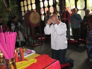 Simon-Blow-initiation-ceremony-2007-Changchun-Daosit-temple-Wuhan-Simonblowqigong.com