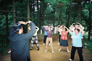 White-Cloud-Temple-Qigong -Study-tour-2006-1-simonblowqigong.com