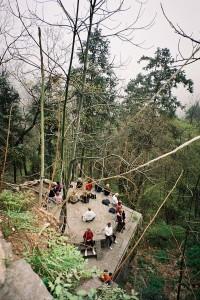 Wudangshan-Sitting-Meditation-Qigong-study-tour-2005-simonblowqigong.com