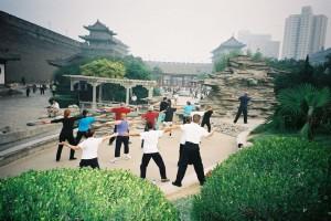 Xian-Qigong-study-tour-2004-3-simonblowqigong.com